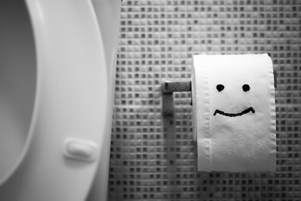【尿ラボ】【泌尿器科医監修】尿の色が濃い原因―生活習慣?食べたモノ?―