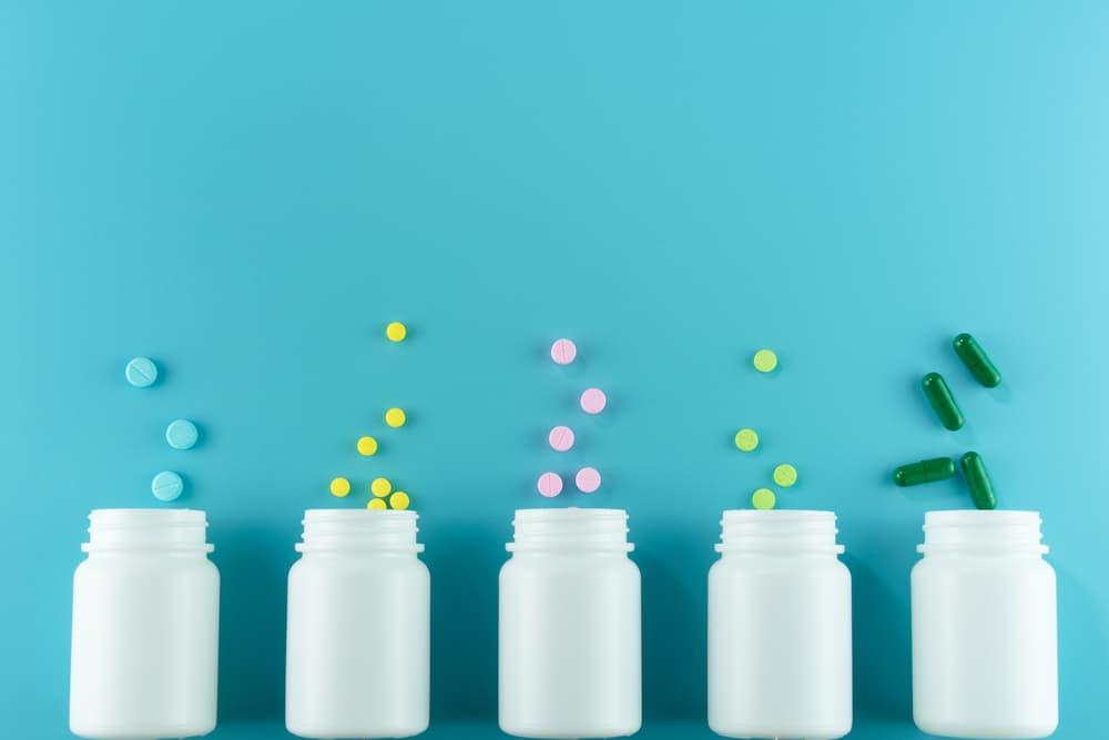 【尿ラボ】尿の色が濃い原因―生活習慣?食べたモノ?